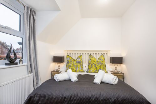 Upfront,up,front,reviews,accommodation,self,catering,rental,holiday,homes,cottages,feedback,information,genuine,trust,worthy,trustworthy,supercontrol,system,guests,customers,verified,exclusive,4 minster's reach ,york boutique lets,york,,image,of,photo,picture,view