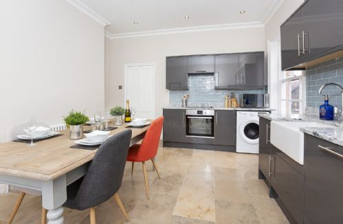 Upfront,up,front,reviews,accommodation,self,catering,rental,holiday,homes,cottages,feedback,information,genuine,trust,worthy,trustworthy,supercontrol,system,guests,customers,verified,exclusive,george street boutique apartment 2,york boutique lets,york ,,image,of,photo,picture,view