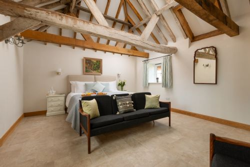 Upfront,up,front,reviews,accommodation,self,catering,rental,holiday,homes,cottages,feedback,information,genuine,trust,worthy,trustworthy,supercontrol,system,guests,customers,verified,exclusive,boxsteddle,barrow hill barns,petersfield,,image,of,photo,picture,view
