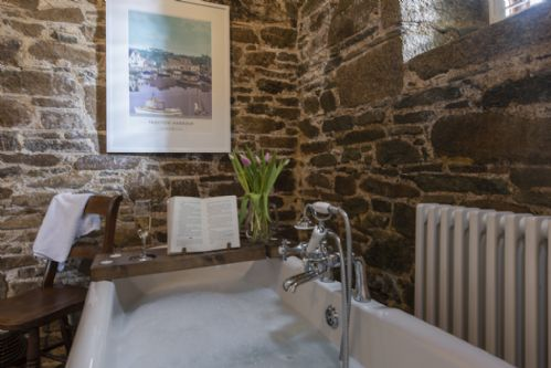 Upfront,up,front,reviews,accommodation,self,catering,rental,holiday,homes,cottages,feedback,information,genuine,trust,worthy,trustworthy,supercontrol,system,guests,customers,verified,exclusive,stable cottage,tredarrup farm holiday cottages,bodmin,,image,of,photo,picture,view