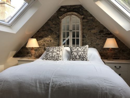 Upfront,up,front,reviews,accommodation,self,catering,rental,holiday,homes,cottages,feedback,information,genuine,trust,worthy,trustworthy,supercontrol,system,guests,customers,verified,exclusive,barns bothy,neidpath castle,peebles,,image,of,photo,picture,view