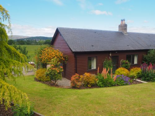 Upfront,up,front,reviews,accommodation,self,catering,rental,holiday,homes,cottages,feedback,information,genuine,trust,worthy,trustworthy,supercontrol,system,guests,customers,verified,exclusive,corrie cottage,crieff holidays,crieff,,image,of,photo,picture,view