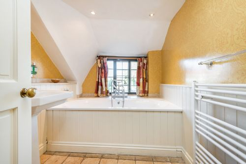Upfront,up,front,reviews,accommodation,self,catering,rental,holiday,homes,cottages,feedback,information,genuine,trust,worthy,trustworthy,supercontrol,system,guests,customers,verified,exclusive,cossington park estate,cossington park,bridgwater,,image,of,photo,picture,view