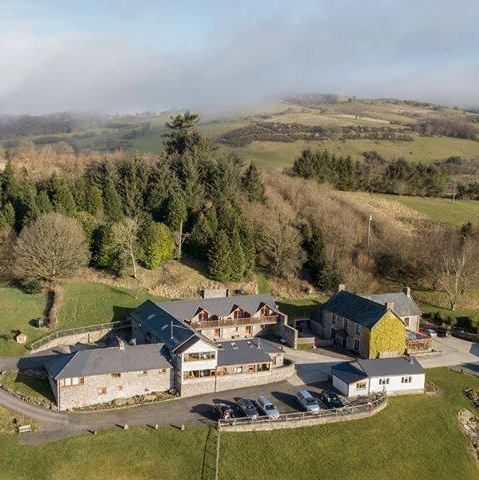 Upfront,up,front,reviews,accommodation,self,catering,rental,holiday,homes,cottages,feedback,information,genuine,trust,worthy,trustworthy,supercontrol,system,guests,customers,verified,exclusive,vale oak,vale farm cottages,lower chapel, brecon,,image,of,photo,picture,view
