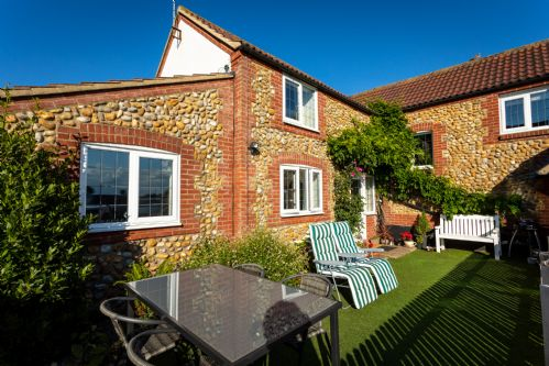 Upfront,up,front,reviews,accommodation,self,catering,rental,holiday,homes,cottages,feedback,information,genuine,trust,worthy,trustworthy,supercontrol,system,guests,customers,verified,exclusive,edelweiss ,east ruston cottages ltd,happisburgh,,image,of,photo,picture,view