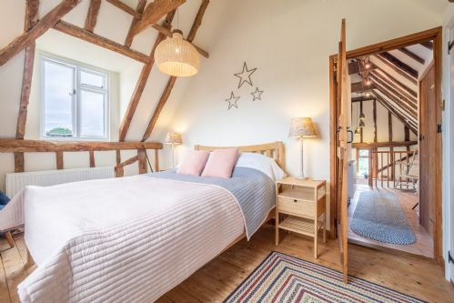 Upfront,up,front,reviews,accommodation,self,catering,rental,holiday,homes,cottages,feedback,information,genuine,trust,worthy,trustworthy,supercontrol,system,guests,customers,verified,exclusive,the granary,idyllic suffolk,colchester,,image,of,photo,picture,view