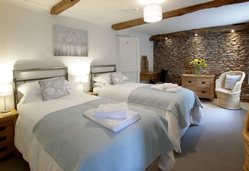 Upfront,up,front,reviews,accommodation,self,catering,rental,holiday,homes,cottages,feedback,information,genuine,trust,worthy,trustworthy,supercontrol,system,guests,customers,verified,exclusive,old barn house,old barn house, hereford,hereford,,image,of,photo,picture,view