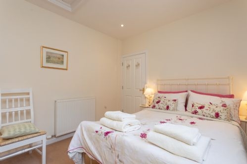 Upfront,up,front,reviews,accommodation,self,catering,rental,holiday,homes,cottages,feedback,information,genuine,trust,worthy,trustworthy,supercontrol,system,guests,customers,verified,exclusive,sandford cottage,patson hill farm,sherborne,,image,of,photo,picture,view