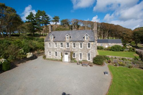 Upfront,up,front,reviews,accommodation,self,catering,rental,holiday,homes,cottages,feedback,information,genuine,trust,worthy,trustworthy,supercontrol,system,guests,customers,verified,exclusive,llanfendigaid,llanfendigaid estate,tywyn,,image,of,photo,picture,view