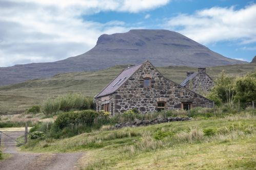 Upfront,up,front,reviews,accommodation,self,catering,rental,holiday,homes,cottages,feedback,information,genuine,trust,worthy,trustworthy,supercontrol,system,guests,customers,verified,exclusive,osdale farmhouse,osdale cottages,dunvegan,,image,of,photo,picture,view