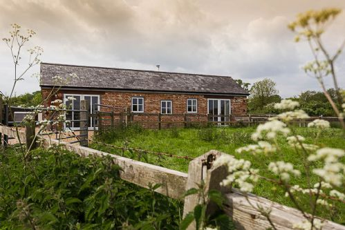 Upfront,up,front,reviews,accommodation,self,catering,rental,holiday,homes,cottages,feedback,information,genuine,trust,worthy,trustworthy,supercontrol,system,guests,customers,verified,exclusive,the cider press,cadhay house,ottery st mary,,image,of,photo,picture,view