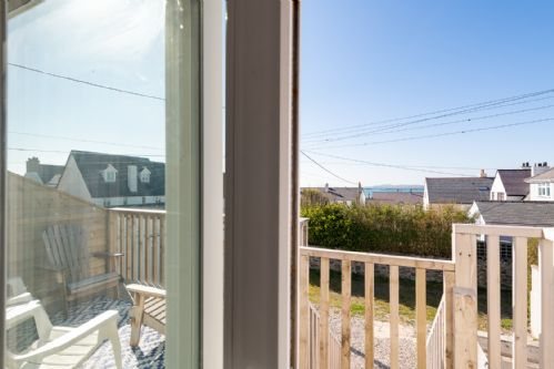 Upfront,up,front,reviews,accommodation,self,catering,rental,holiday,homes,cottages,feedback,information,genuine,trust,worthy,trustworthy,supercontrol,system,guests,customers,verified,exclusive,driftwood,anglesey holiday lettings ,rhosneigr,,image,of,photo,picture,view