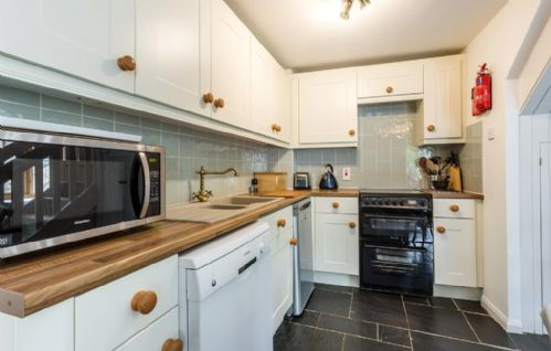 Upfront,up,front,reviews,accommodation,self,catering,rental,holiday,homes,cottages,feedback,information,genuine,trust,worthy,trustworthy,supercontrol,system,guests,customers,verified,exclusive,aylesbury cottage,coulscott house,combe martin,,image,of,photo,picture,view