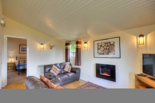 Upfront,up,front,reviews,accommodation,self,catering,rental,holiday,homes,cottages,feedback,information,genuine,trust,worthy,trustworthy,supercontrol,system,guests,customers,verified,exclusive,oak tree lodge-pet friendly,appin holiday homes,,,image,of,photo,picture,view