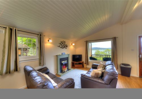 Upfront,up,front,reviews,accommodation,self,catering,rental,holiday,homes,cottages,feedback,information,genuine,trust,worthy,trustworthy,supercontrol,system,guests,customers,verified,exclusive,rowan tree lodge,appin holiday homes,,,image,of,photo,picture,view