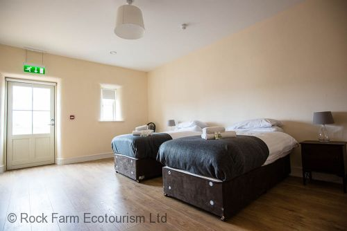 Lower Lime is a downstairs bedroom with full wheel chair access. Note: All single beds can be made up into Kingsize