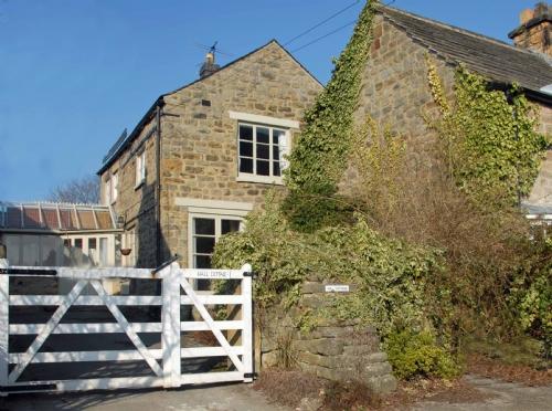 Hall Cottage (image 1)