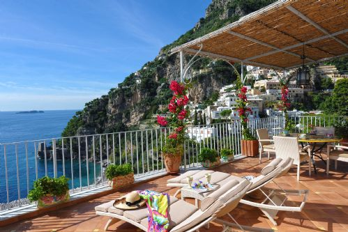Upfront,up,front,reviews,accommodation,self,catering,rental,holiday,homes,cottages,feedback,information,genuine,trust,worthy,trustworthy,supercontrol,system,guests,customers,verified,exclusive,villa roberto,my rental homes,positano,,image,of,photo,picture,view