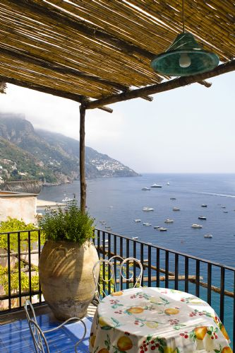 Upfront,up,front,reviews,accommodation,self,catering,rental,holiday,homes,cottages,feedback,information,genuine,trust,worthy,trustworthy,supercontrol,system,guests,customers,verified,exclusive,villa gaia,my rental homes,positano,,image,of,photo,picture,view