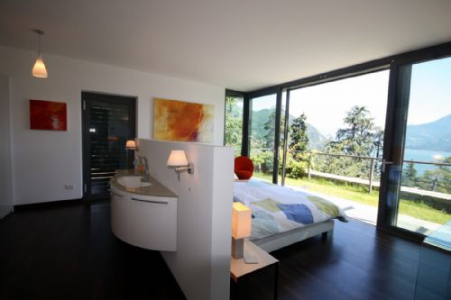 Upfront,up,front,reviews,accommodation,self,catering,rental,holiday,homes,cottages,feedback,information,genuine,trust,worthy,trustworthy,supercontrol,system,guests,customers,verified,exclusive,sant'andrea vista ,love como,menaggio - sleeps 4,,image,of,photo,picture,view