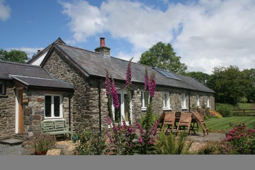Upfront,up,front,reviews,accommodation,self,catering,rental,holiday,homes,cottages,feedback,information,genuine,trust,worthy,trustworthy,supercontrol,system,guests,customers,verified,exclusive,cwt mochyn,banceithin farm and holiday cottages,bethania,,image,of,photo,picture,view