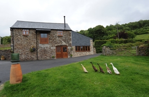 Upfront,up,front,reviews,accommodation,self,catering,rental,holiday,homes,cottages,feedback,information,genuine,trust,worthy,trustworthy,supercontrol,system,guests,customers,verified,exclusive,tractor barn,devon country barns,,,image,of,photo,picture,view