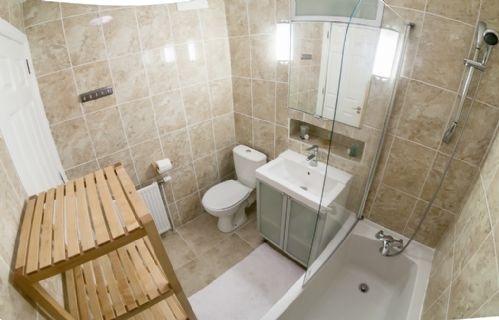 Upfront,up,front,reviews,accommodation,self,catering,rental,holiday,homes,cottages,feedback,information,genuine,trust,worthy,trustworthy,supercontrol,system,guests,customers,verified,exclusive,marischal square - superior apartment,thistle apartments ltd,aberdeen,,image,of,photo,picture,view