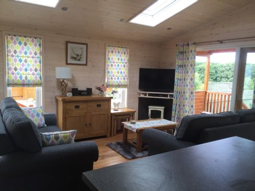 Upfront,up,front,reviews,accommodation,self,catering,rental,holiday,homes,cottages,feedback,information,genuine,trust,worthy,trustworthy,supercontrol,system,guests,customers,verified,exclusive,fern lodge,forest view retreat,kidderminster,,image,of,photo,picture,view