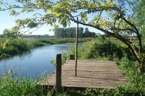 River Wensum at River Cottage Gt Ryburgh, Norfolk holiday cottages