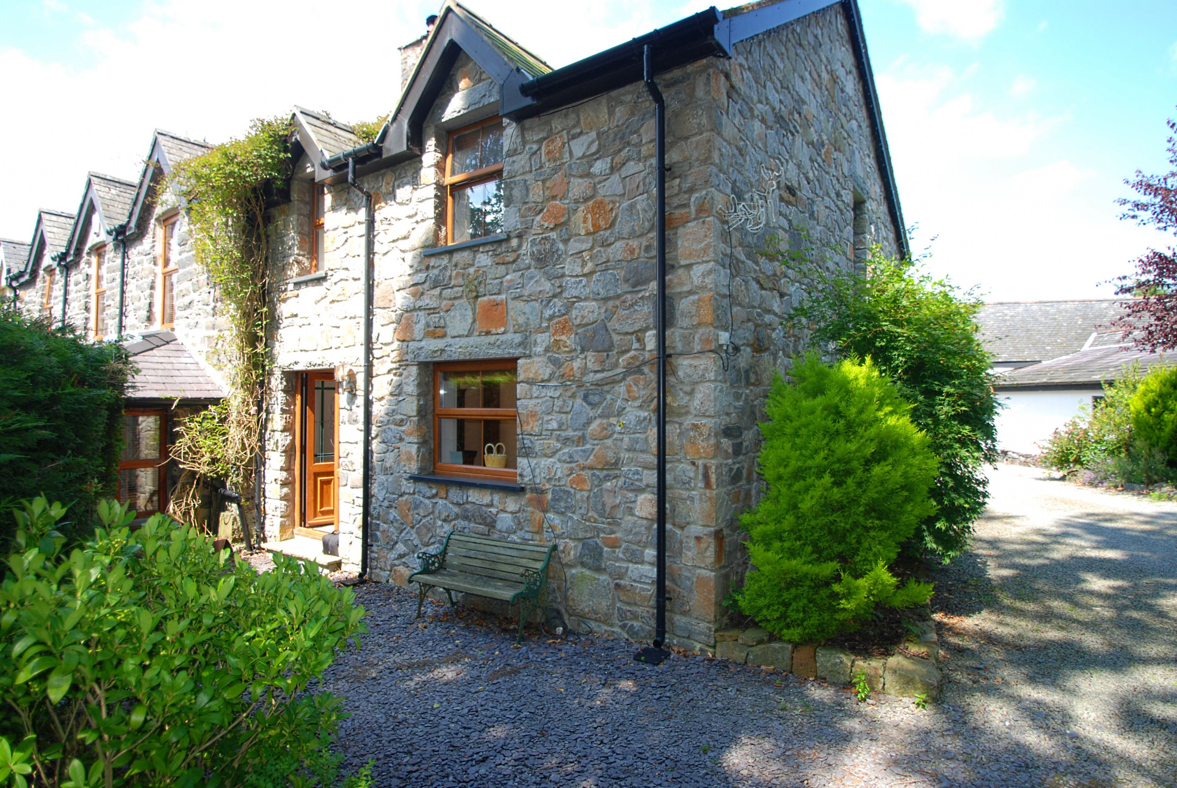 wales sea zoom five portfolio views bedroom holiday house o harlech with detatchd north read in stunning tremeifion more cottages