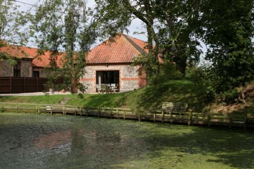 Waterside Barn, Binham, North Norfolk, Nr Hindringham
