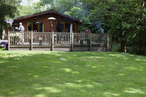 FOOTPRINTS LODGE, (Hot Tub), White Cross Bay, Windermere