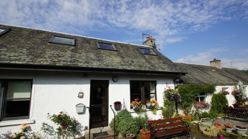 Upfront,up,front,reviews,accommodation,self,catering,rental,holiday,homes,cottages,feedback,information,genuine,trust,worthy,trustworthy,supercontrol,system,guests,customers,verified,exclusive,mid cottage east,cooper cottages,callander,,image,of,photo,picture,view