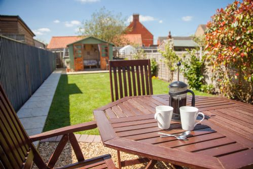 Upfront,up,front,reviews,accommodation,self,catering,rental,holiday,homes,cottages,feedback,information,genuine,trust,worthy,trustworthy,supercontrol,system,guests,customers,verified,exclusive,fuzzy duck cottage,norfolk hideaways,heacham,,image,of,photo,picture,view