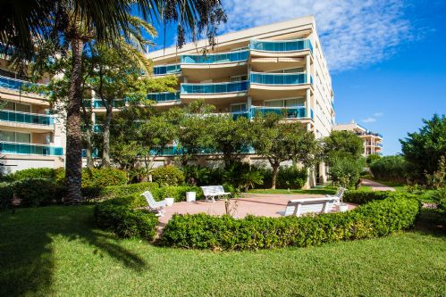 Upfront,up,front,reviews,accommodation,self,catering,rental,holiday,homes,cottages,feedback,information,genuine,trust,worthy,trustworthy,supercontrol,system,guests,customers,verified,exclusive,bossa azul 2-4-3,apartments in ibiza international limited,ibiza town,,image,of,photo,picture,view