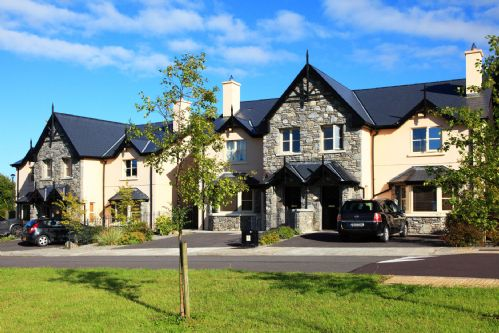 Upfront,up,front,reviews,accommodation,self,catering,rental,holiday,homes,cottages,feedback,information,genuine,trust,worthy,trustworthy,supercontrol,system,guests,customers,verified,exclusive,13 ardmullen 3 bed oak ,kenmare rentals.com,kenmare,,image,of,photo,picture,view