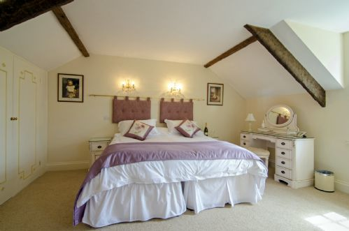 Upfront,up,front,reviews,accommodation,self,catering,rental,holiday,homes,cottages,feedback,information,genuine,trust,worthy,trustworthy,supercontrol,system,guests,customers,verified,exclusive,the coach house - family,aish cross holiday cottages,totnes,,image,of,photo,picture,view