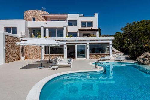 Upfront,up,front,reviews,accommodation,self,catering,rental,holiday,homes,cottages,feedback,information,genuine,trust,worthy,trustworthy,supercontrol,system,guests,customers,verified,exclusive,villa echo,my rental homes,ibiza,,image,of,photo,picture,view