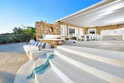 Upfront,up,front,reviews,accommodation,self,catering,rental,holiday,homes,cottages,feedback,information,genuine,trust,worthy,trustworthy,supercontrol,system,guests,customers,verified,exclusive,villa lino,my rental homes,mykonos,,image,of,photo,picture,view