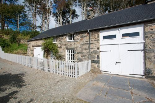 Upfront,up,front,reviews,accommodation,self,catering,rental,holiday,homes,cottages,feedback,information,genuine,trust,worthy,trustworthy,supercontrol,system,guests,customers,verified,exclusive,stable cottage,llanfendigaid estate,tywyn,,image,of,photo,picture,view