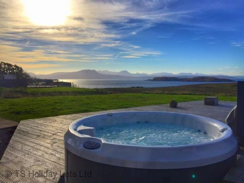 Locholly - Hot Tub at Dusk