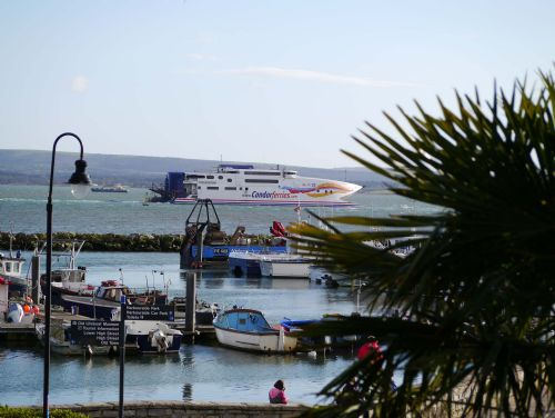 Upfront,up,front,reviews,accommodation,self,catering,rental,holiday,homes,cottages,feedback,information,genuine,trust,worthy,trustworthy,supercontrol,system,guests,customers,verified,exclusive,blue swell,smart home rentals,poole,,image,of,photo,picture,view