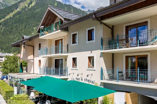 Upfront,up,front,reviews,accommodation,self,catering,rental,holiday,homes,cottages,feedback,information,genuine,trust,worthy,trustworthy,supercontrol,system,guests,customers,verified,exclusive,ginabelle 8 apartment,chamonix all year ltd,chamonix,,image,of,photo,picture,view