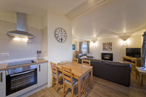 Upfront,up,front,reviews,accommodation,self,catering,rental,holiday,homes,cottages,feedback,information,genuine,trust,worthy,trustworthy,supercontrol,system,guests,customers,verified,exclusive,beech tree lodge,appin holiday homes,,,image,of,photo,picture,view