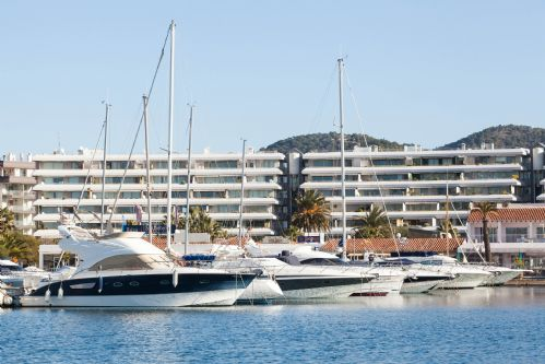 Upfront,up,front,reviews,accommodation,self,catering,rental,holiday,homes,cottages,feedback,information,genuine,trust,worthy,trustworthy,supercontrol,system,guests,customers,verified,exclusive,terrazas 8-3-1,apartments in ibiza international limited,ibiza town,,image,of,photo,picture,view