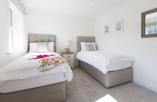 Upfront,up,front,reviews,accommodation,self,catering,rental,holiday,homes,cottages,feedback,information,genuine,trust,worthy,trustworthy,supercontrol,system,guests,customers,verified,exclusive,rose vale villa,cherished cottages ltd,st ives,,image,of,photo,picture,view