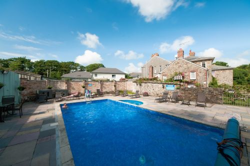 Upfront,up,front,reviews,accommodation,self,catering,rental,holiday,homes,cottages,feedback,information,genuine,trust,worthy,trustworthy,supercontrol,system,guests,customers,verified,exclusive,kingfisher,broomhill manor ,,,image,of,photo,picture,view