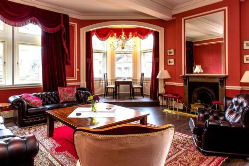 Upfront,up,front,reviews,accommodation,self,catering,rental,holiday,homes,cottages,feedback,information,genuine,trust,worthy,trustworthy,supercontrol,system,guests,customers,verified,exclusive,royal mile mansion,greatbase apartments ltd,edinburgh,,image,of,photo,picture,view