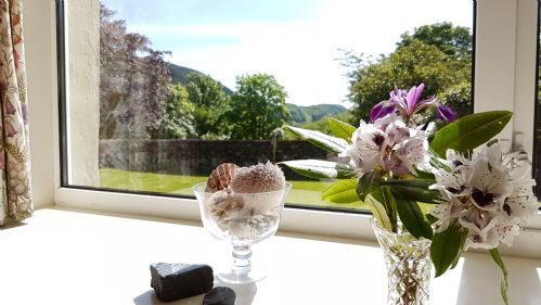 Upfront,up,front,reviews,accommodation,self,catering,rental,holiday,homes,cottages,feedback,information,genuine,trust,worthy,trustworthy,supercontrol,system,guests,customers,verified,exclusive,seil cottage,loch seil cottages,oban,,image,of,photo,picture,view