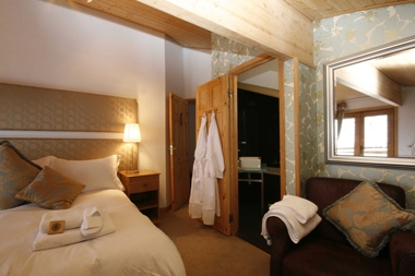 Baby Friendly Holidays at Chalet Chambertin - Family Room (quad)